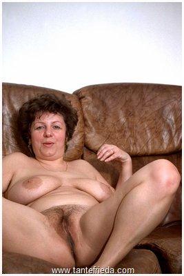 Lara cumkitten nude